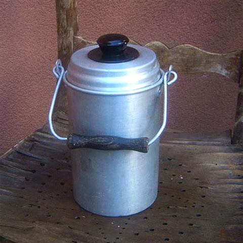 Antike Milchkanne